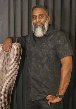 Salim Hoosain<br /> Director
