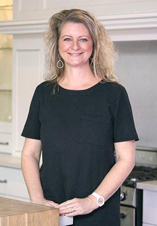 Janine Murray<br />Accounts